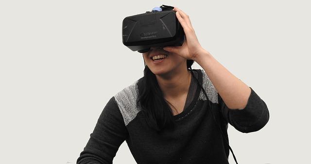 virtual-reality-1389040_640